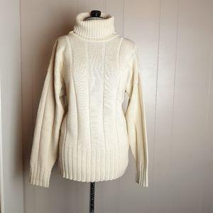 Vintage 70s wool knit turtleneck pullover